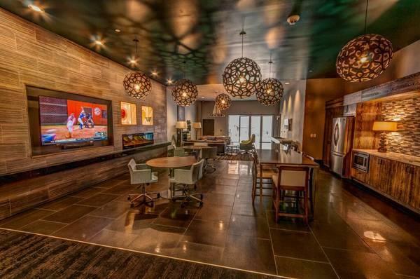 Indoor/Outdoor Entertainment Lounge